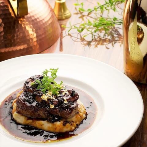 金の牛フィレ肉とフォアグラ