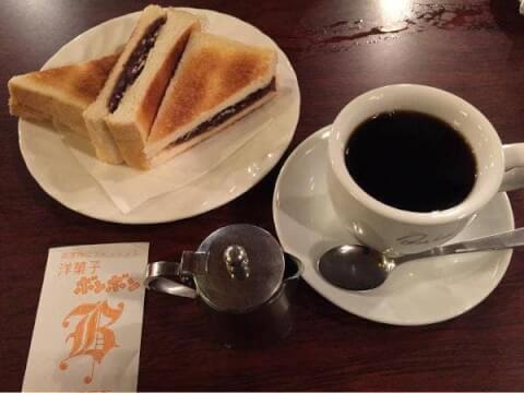 喫茶ボンボンの小倉トースト