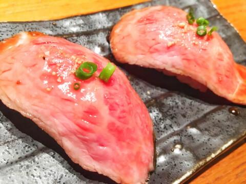 黒5 肉寿司