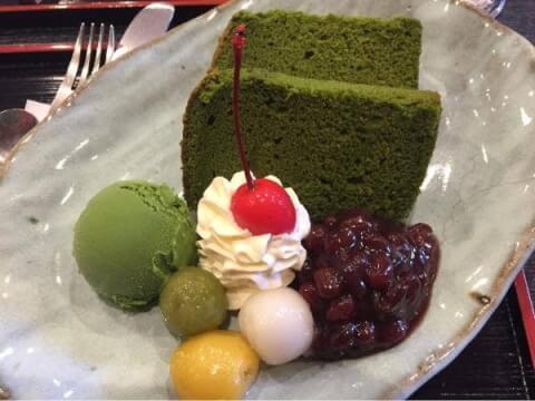 京煎堂の抹茶シフォン