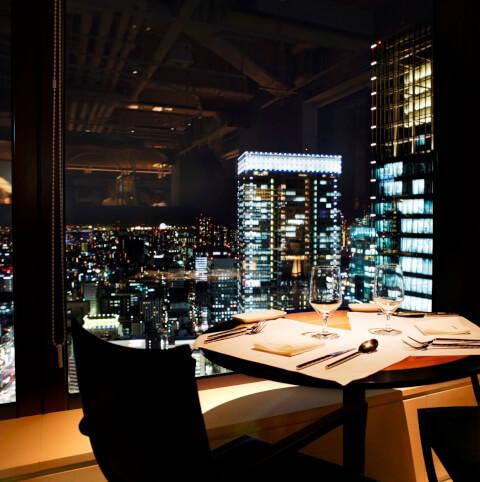 東京駅 ディナー マンゴツリー東京 夜景 記念日