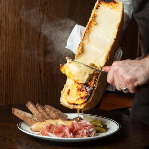 新宿 Mealza メルザ ラクレットチーズ