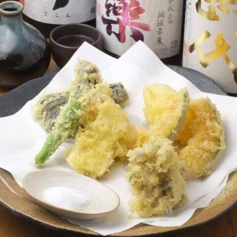 町田_居酒屋_めがね庵_宴会_天ぷら_野菜天の盛り合わせ_マイタケ_エリンギ_さつまいも_カボチャ_れんこん