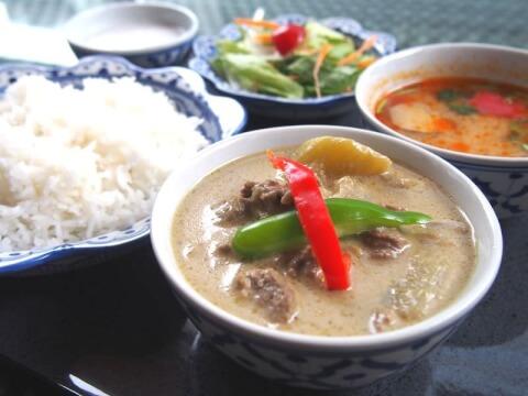 神保町のおしゃれで安いおすすめディナー、エスニックデートに人気のメナムのほとり