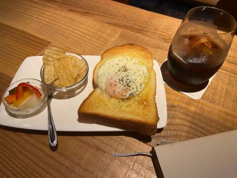 東京 おすすめ ブックカフェ 広い ソファ 渋谷 森の図書室 ラピュタパン