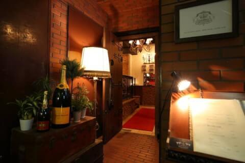 新宿のおしゃれで安いおすすめバー、隠れ家で人気のナドニエ