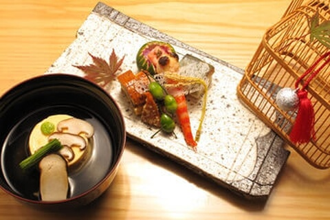 神保町のおしゃれで安いおすすめディナー、個室つきでデートに人気の金寿司