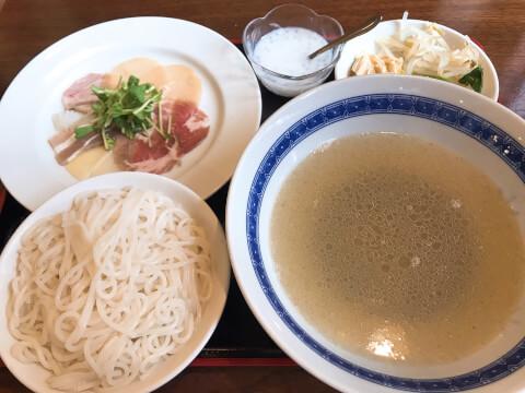 過橋米線料理