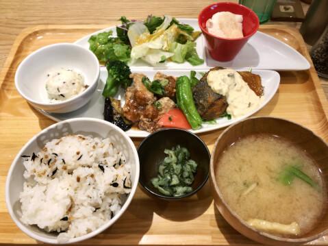 新宿 ディナー おぼんdeごはん 和食 肉料理
