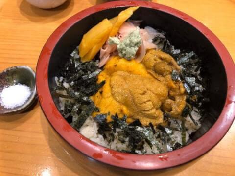 東京で美味しくて安いうにが食べられるおすすめのお店、銀座 すし小川