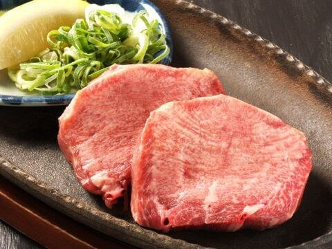 御肉 タンのステーキ