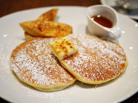 shinjuku-cafe-paulbassett-pancakes
