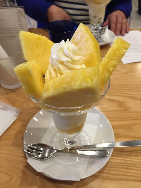 tokyo-sweets-fruitsparlorgoto-pineappleparfeit