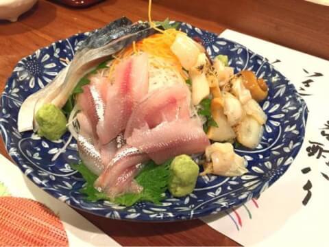 炉ばた 万年青  神楽坂 居酒屋 おすすめ 老舗 和食 海鮮 魚介