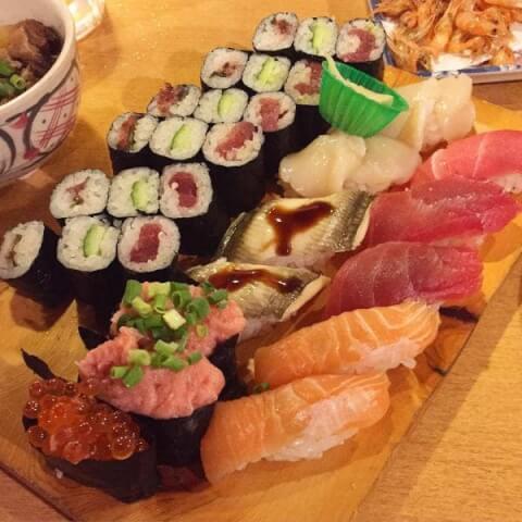 六本木の安くて美味しい居酒屋、寿司 松ちゃん