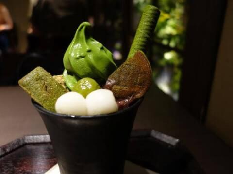 茶寮翠泉の高辻本店の抹茶パフェ