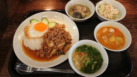 渋谷_ランチ_ガパオ食堂_ランチセット