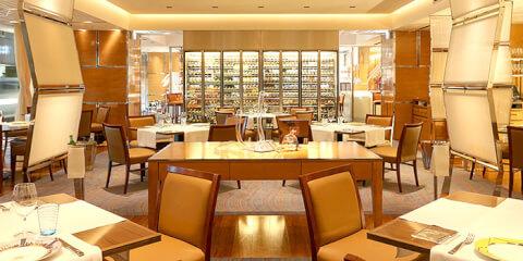 渋谷 ディナー レストラン 洋食 パティナステラ テーブル席 店内