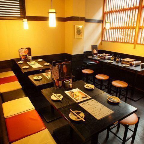 新宿 居酒屋 とりいちず 宴会もできる広い店内