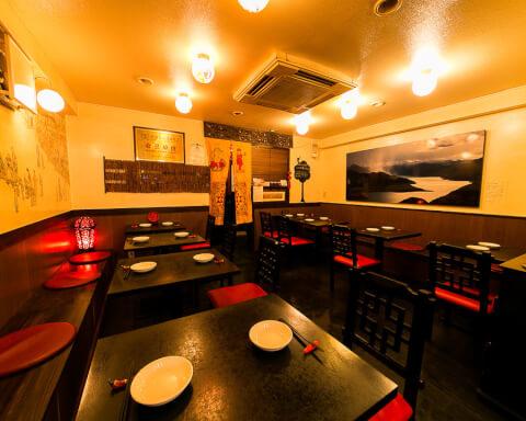 新宿 ディナー 麻辣王豆腐 おしゃれな店内