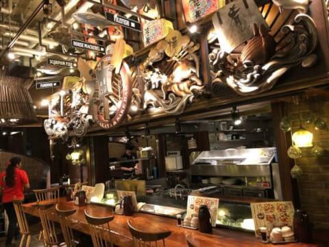 炉端酒場 しげぞう 恵比寿ガーデンプレイス 居酒屋 飲み屋 おすすめ スカイウォーク口 和食 おしゃれ カウンター