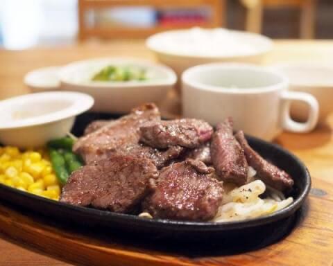 ステーキハウス牛和鹿 和牛鉄板焼肉ランチ