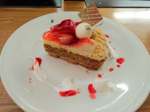 osaka_cafe_strawberrycake