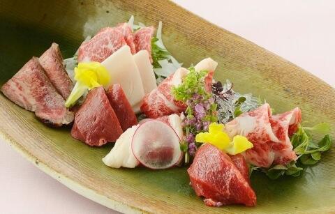 菅乃屋の馬肉料理