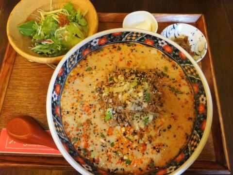 シャンニーカフェ 刀削担々麺