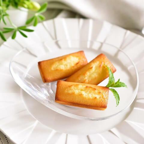 退職のギフトに人気のお菓子、アンリシャルパンティエのフィナンシェ