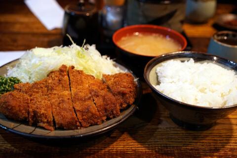 新宿 ディナー 豚珍館 和食 肉料理