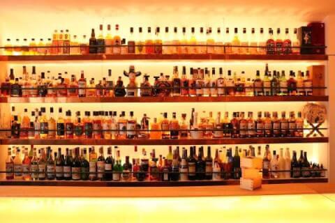 新宿のおしゃれで安いおすすめバー、隠れ家で人気の新宿ウイスキーサロン