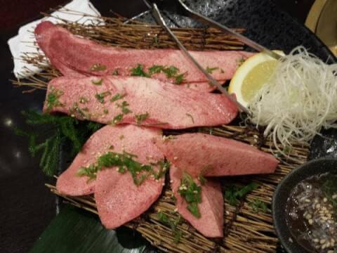 陽山道 上野 焼肉 おすすめ 個室 特上タン塩三昧盛り合わせ