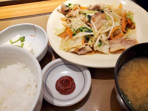 やよい軒 肉野菜炒め定食
