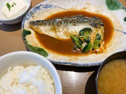 やよい軒 サバの味噌煮定食