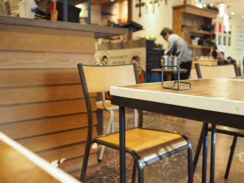 ユルト店内 名古屋駅 カフェ