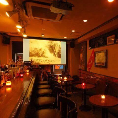新宿のおしゃれで安いおすすめバー、ウイスキー初心者に人気のゾートロープ