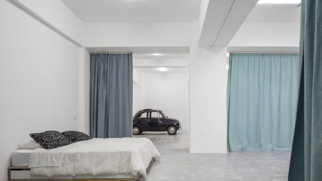 愛車と一緒に暮らしたい!古い駐車場をガレージハウスにリノベしてみた