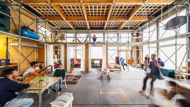 持続可能な社会を目指して、一つ屋根の下で生活。エネルギー自給自足の共有スペース「RESSÒ」
