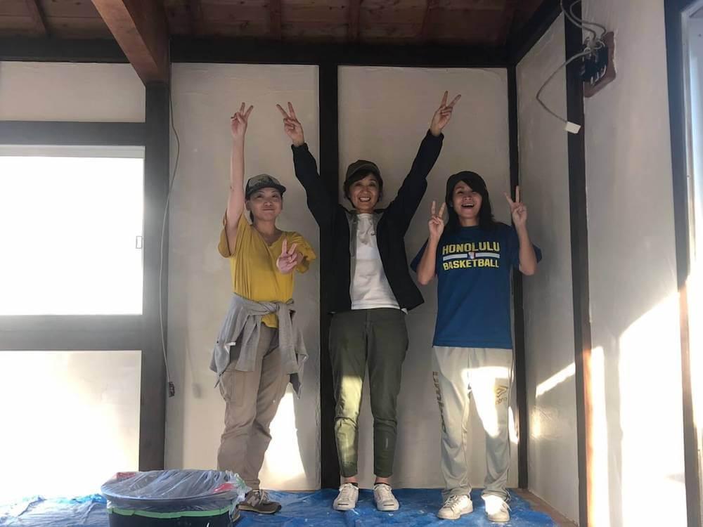 漆喰塗りワークショップで、リノベのコツやインテリアの悩みを相談しよう!しかもプロに!それも沖縄の粟国島で!!