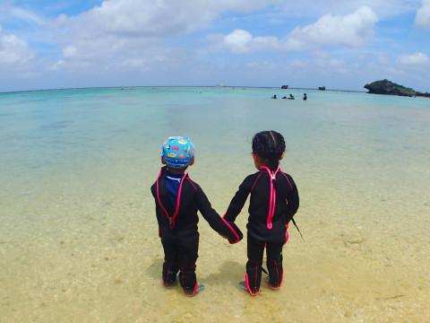 沖縄県 国頭郡恩納村 【2歳~】カヤック&南国ホワイトビーチで熱帯魚シュノーケル☆