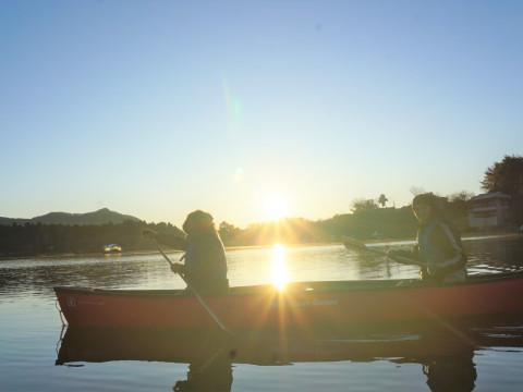 山梨県 富士河口湖町 カヌー体験・120分コース・コロナ対策実施中 ☆ カヌーを使って湖上散歩&家族、友達、グループで思い出作りの旅☆
