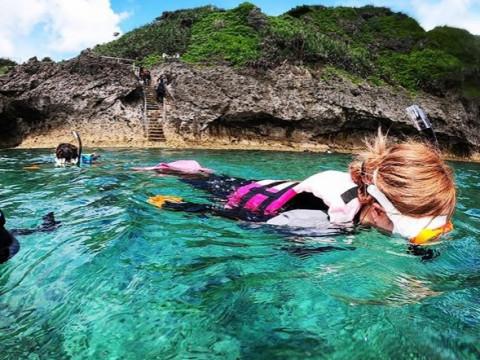 沖縄県 中頭郡 読谷村 沖縄の海を気軽に満喫したいなら! SUP &シュノーケリング体験セットプラン 4.5時間