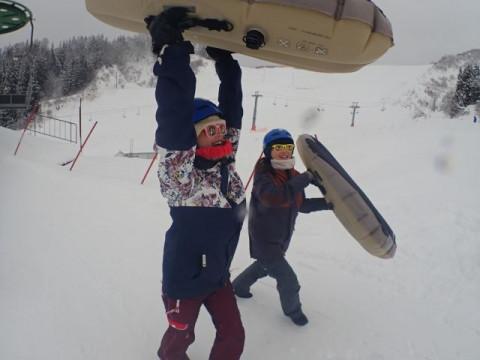 群馬県 みなかみ町 エアーボード半日体験 ☆ 雪面スレスレのドキドキ感!