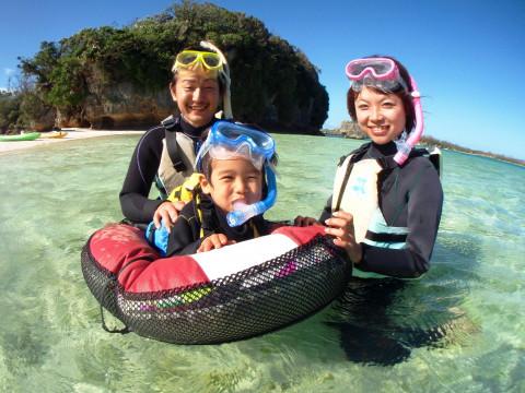 【3歳~OK】カヤックで行く無人島&熱帯魚シュノーケル 南国気分味わいプラン♪