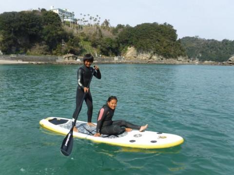 静岡県 下田市 穏やかな鍋田浜海岸で初めてのSUP(サップ)60分 体験 ☆ 透き通った海の上をお散歩しましょう♪