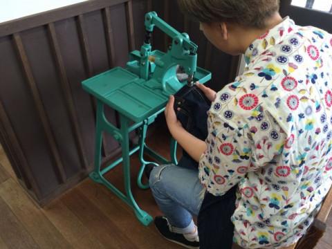 岡山県 倉敷市 ベティスミス・ジーンズ作り体験【Lサイズまで】 ☆ ジーンズ発祥の地である「児島」でストレートジーンズを作ろう ♪