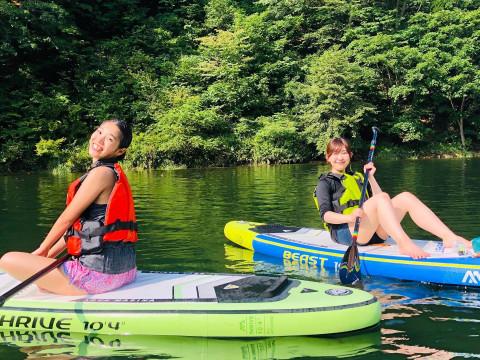 群馬県 みなかみ町 SUPツアー ☆ 初心者OK! 午前&午後開催・魅力がいっぱい詰まった藤原湖で大自然を満喫しよう ♪