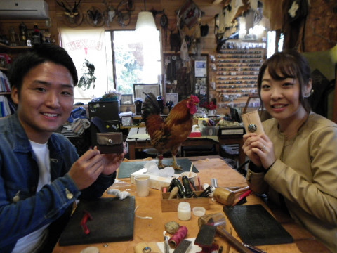 岐阜県 山県市 レザー体験教室 ☆ 革の基本制作を学ぼう! 牛ヌメミラノ革使用