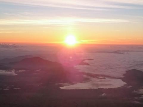 静岡県 裾野市 ゆったり富士登山1泊2日 富士宮口ルート ガイド付きプライベートツアーで安全登山